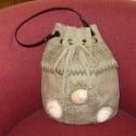 アユ作品:貝殻のバッグ