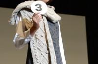 3.ヴィンテージネップで編む!!Two Way Knit フード付きマフラー デザイン:渡辺美保子